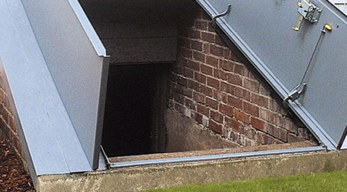 Cellar Doors bg