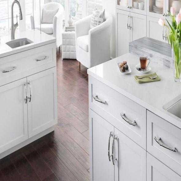 Northeast Kitchen Center Decorative Cabinet Hardware